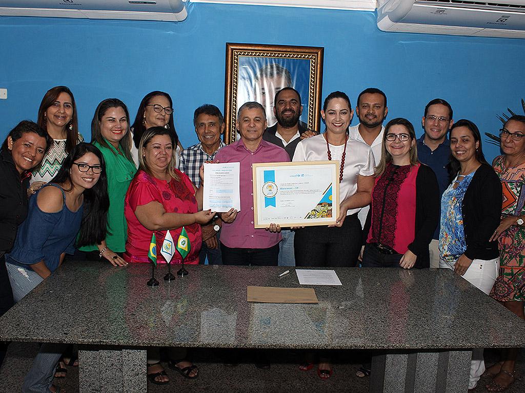 Prefeito Firmo Camurça assina termo de adesão ao Selo UNICEF 2017-2020