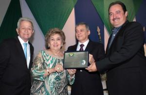 Prefeito participa da solenidade de entrega da Medalha Ivens Dias Branco