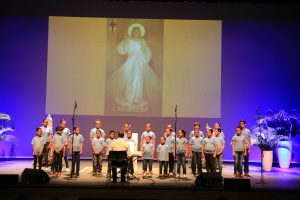 Coral Infantil de Maracanaú se apresenta no Teatro Riomar