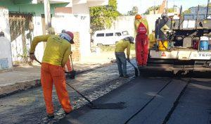 Prefeitura realiza pavimentação asfáltica das Ruas Sinfronio Peixoto e Edmilson Alves Cavalcante na Pajuçara