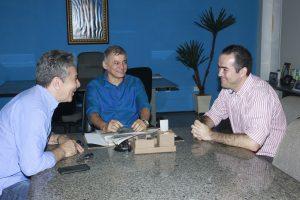 Prefeito Firmo Camurça recebe presidente do Fortaleza, Marcelo Paz