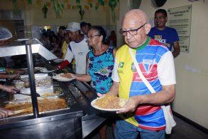Homenagens marcam os 10 anos de atividades do Restaurante Popular