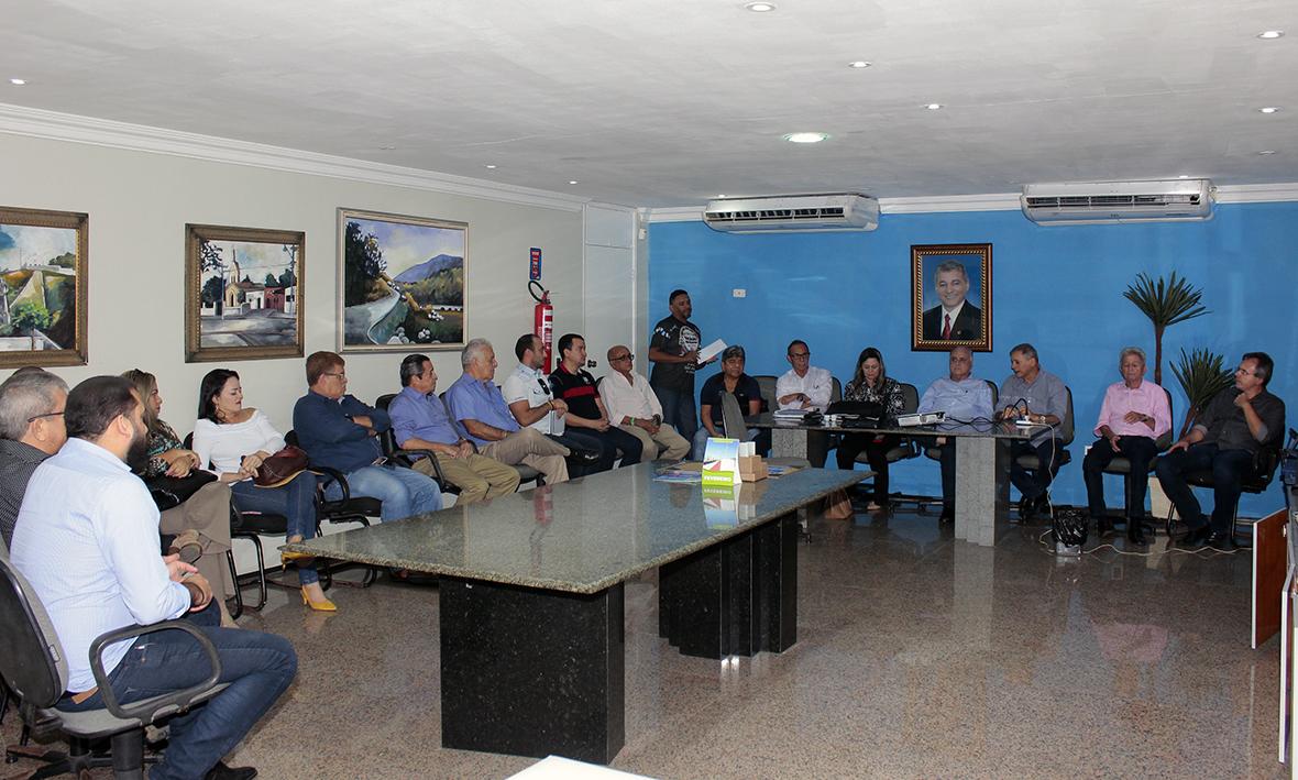 Prefeito Firmo Camurça e Roberto Pessoa realizam reunião para apresentação do Plano Nacional de Enfrentamento aos Crimes Violentos