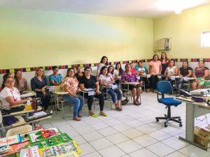 Secretaria de Educação realiza formação com novas cuidadoras