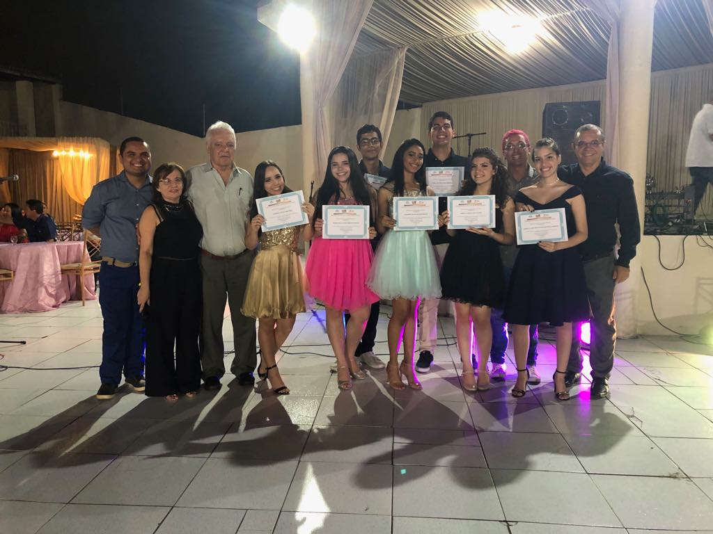 CLM realiza formatura de 109 concludentes dos cursos de Inglês, Espanhol e Libras