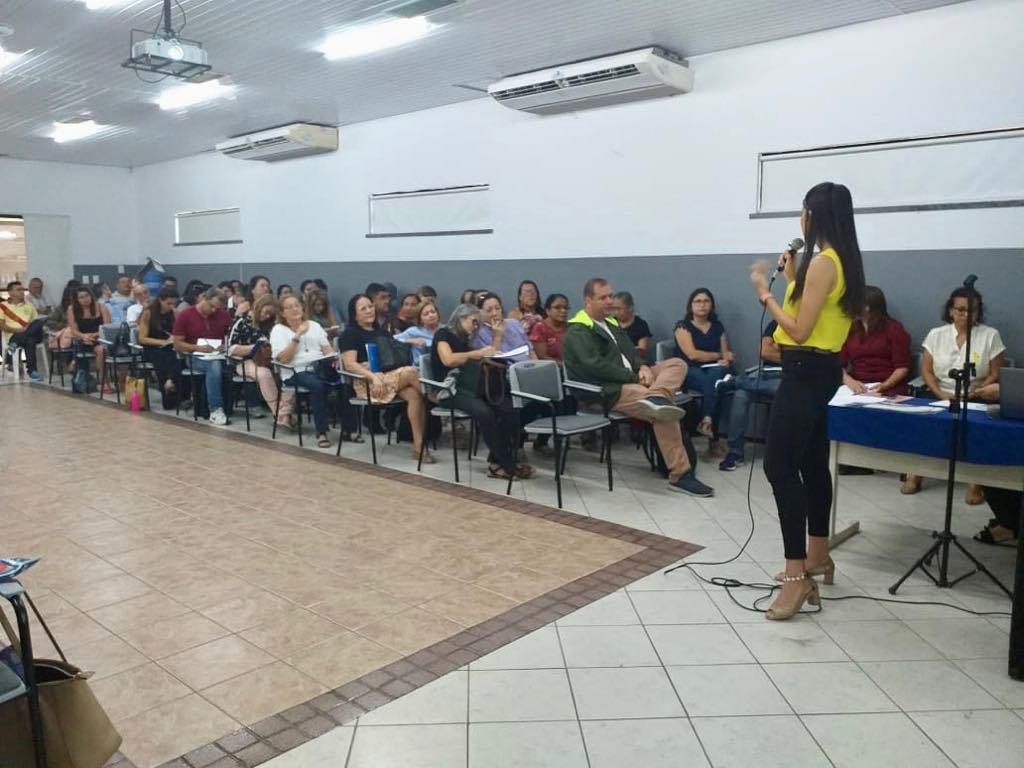 Formação sobre prevenção do suicídio é realizada para profissionais do município