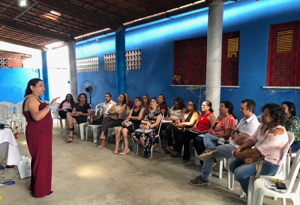 Secretaria de Educação promove reunião por ADL com gestores das escolas municipais