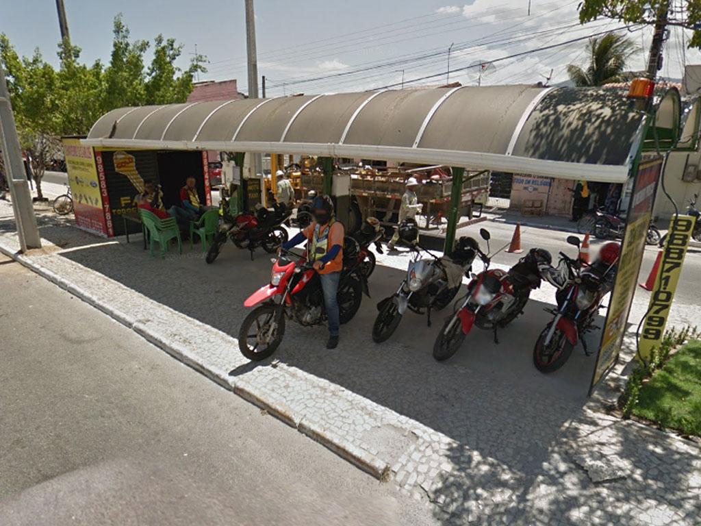 Demutran realiza trabalho operacional de fiscalização com os mototaxistas do Município
