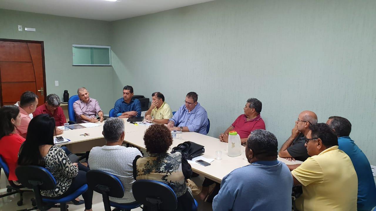 You are currently viewing Prefeito define novo piso salarial dos agentes de saúde e endemias