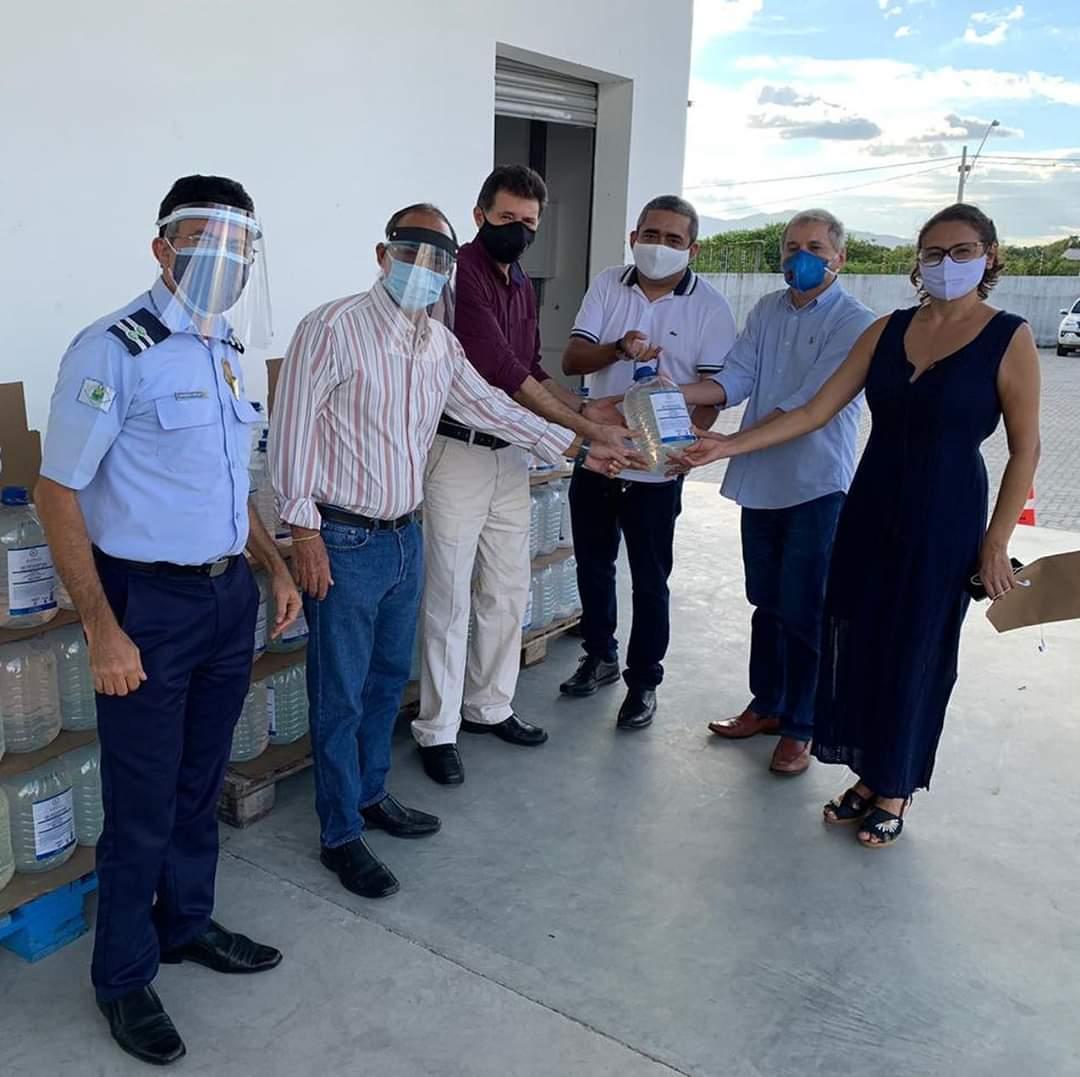 Campanha Cuida Maracanaú: Rede Amigos doa 1500 litros de álcool em gel para Prefeitura