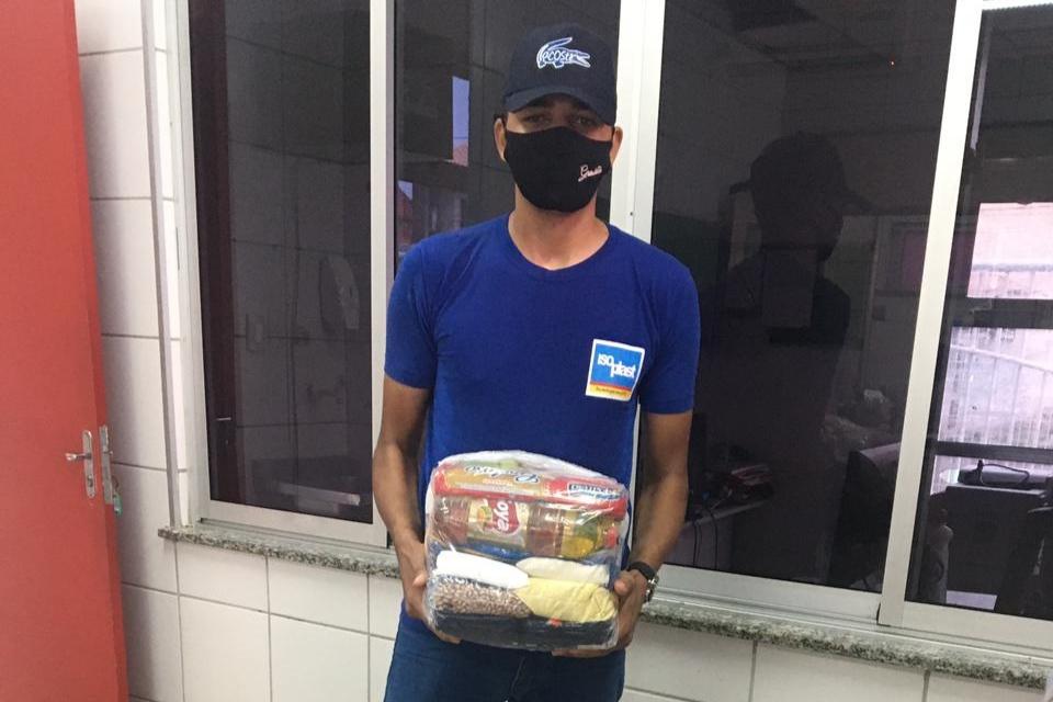 Read more about the article Maracanaú recebe doação de 10 cestas básicas da empresa Isoplast