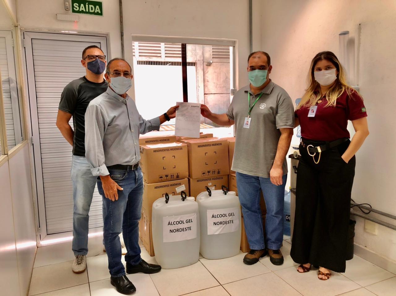 You are currently viewing Maracanaú recebe 2 mil máscaras e 100 litros de álcool em gel doados pela empresa Ever Green