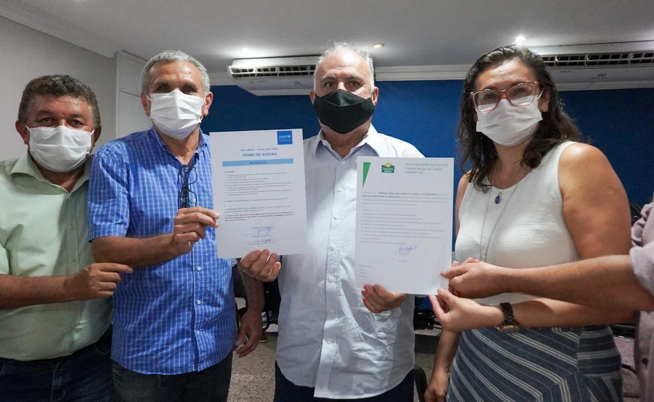 Read more about the article Prefeito assina adesão ao Selo Unicef 2021-2024