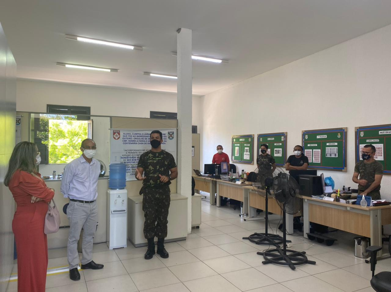 You are currently viewing Comitiva maracanauense visita Colégio Militar de Fortaleza
