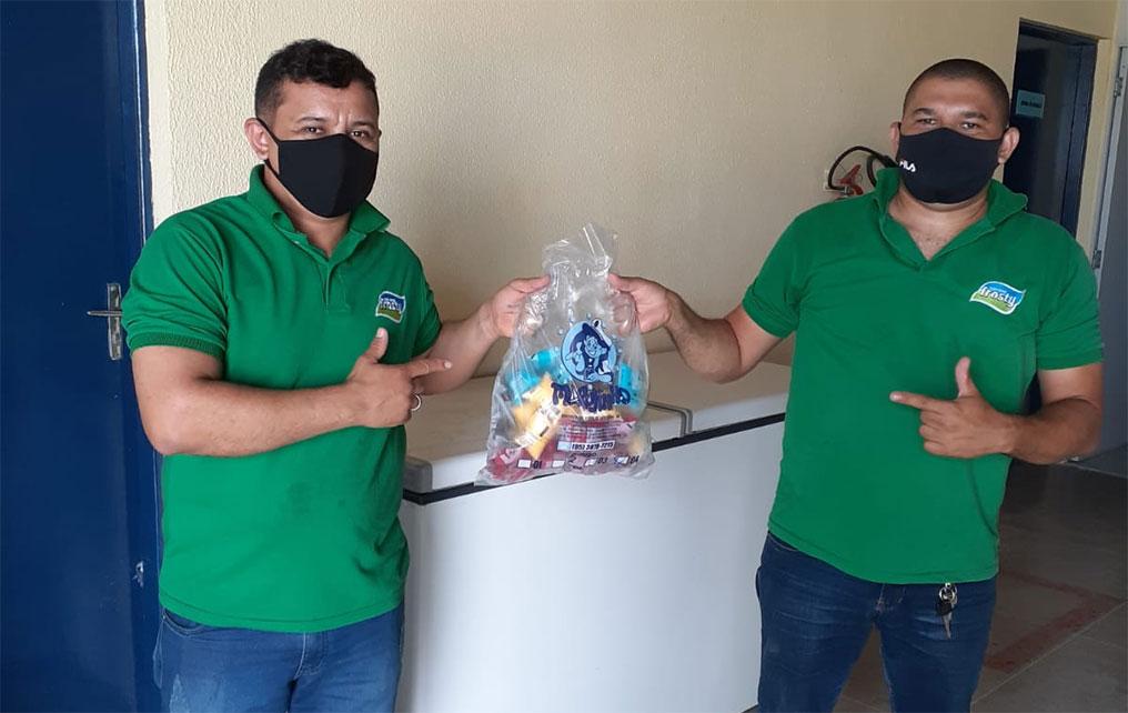 """You are currently viewing Prefeitura recebe doação da empresa Frosty para """"Maracanaú: Cidade da Criança"""""""